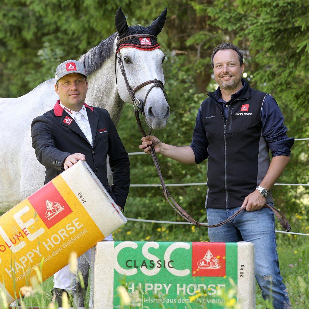 Matthias Atzmüller und Otto Hofer mit Pferd